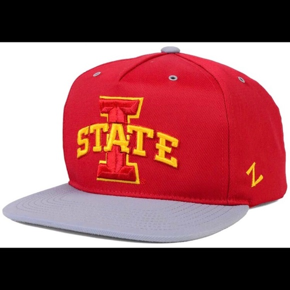 size 40 4115b 94681 Iowa State Cyclones Red Zephyr SnapBack Hat. NWT. NCAA
